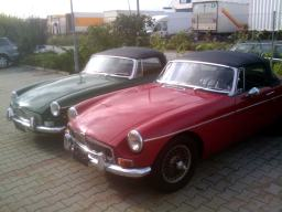 2 Spitzen-Cabrios